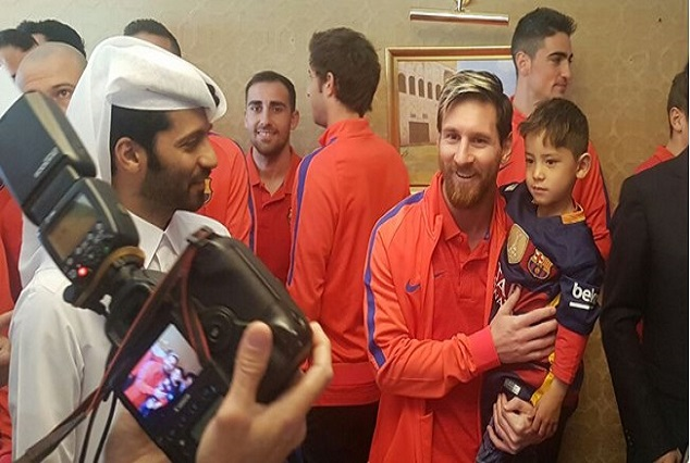 Refugee Boy Finally Meets With His Idol Messi 1