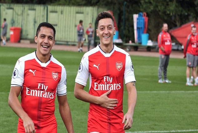 Arsenal Lifts Lid On Ozil And Sanchez Contract Saga 1