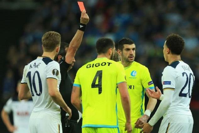 Former Tottenham Manager Slams Alli For UEL Red Card 1