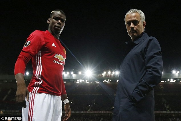 """Mourinho - """"Pogba Does Not Give An Ass About Criticism"""" 1"""