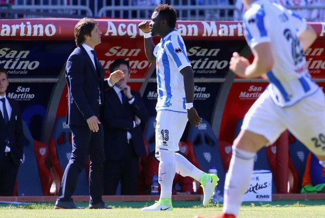 Sulley Muntari Walks Off The Pitch After Being Racially Abused By A Kid 7