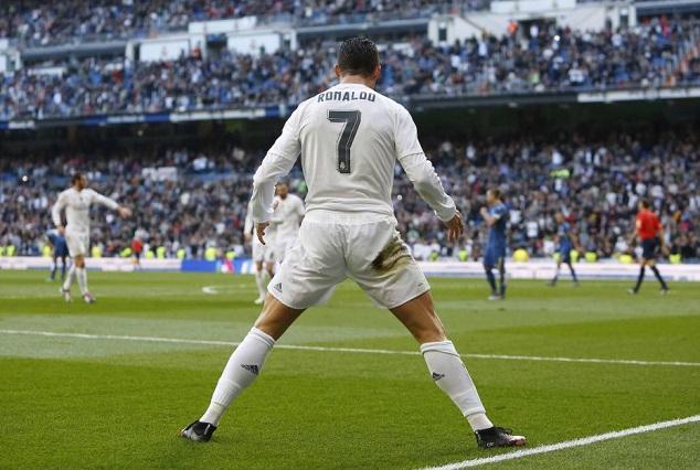 CR7 : The Fox In A Box - An Interesting Clip Reveals How Ronaldo Aced The Art Of Goalscoring 3