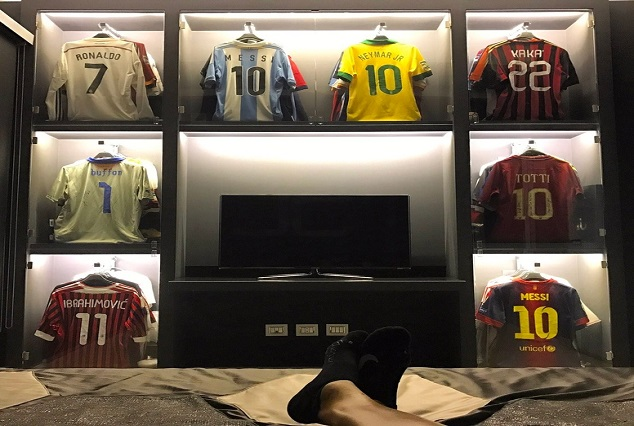 El Shaarawy Shows Off His Awesome Collection Of Jerseys 1