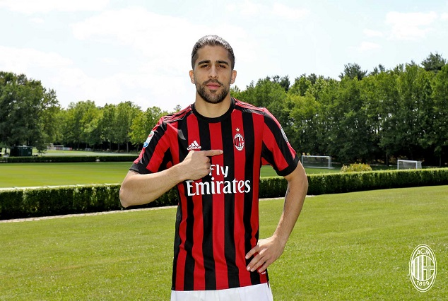 Official : AC Milan Have Confirmed The Signing Of Wolfsburg Full-Back On A Four-Year Deal 1