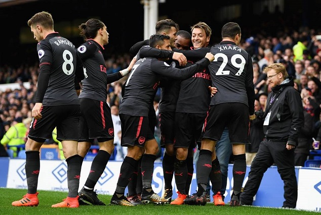 Arsenal Heap More Misery On Koeman And Gave Wenger A Perfect 68th Birthday Gift 7