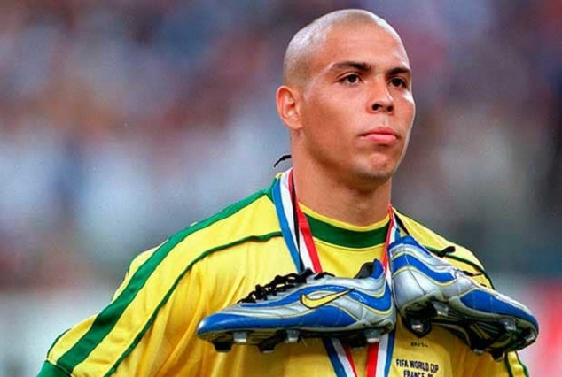Shocking ! Ronaldo De Lima Names His All-Time XI - And Leaves Out One Outstanding Player 1