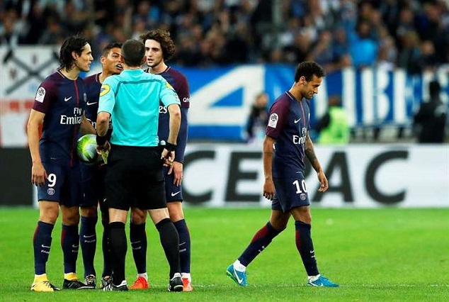 Neymar Sent Off In thrilling 'Le Classique' Clash, As Cavani Rescue PSG From First Loss 9
