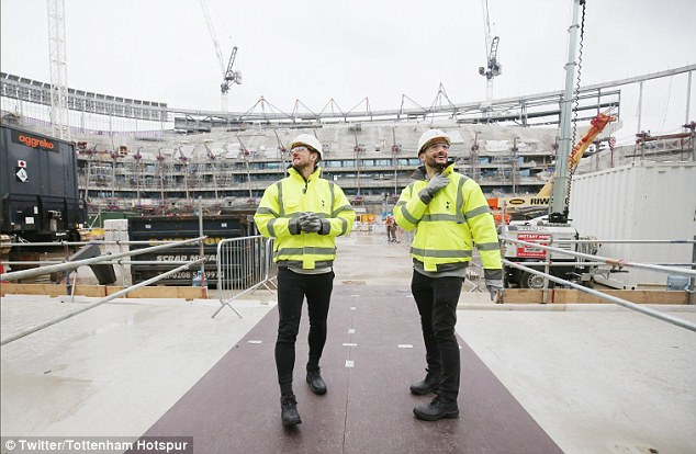 Kane, Lloris Were The First To Experience Spur's 62,000-Seater Arena 7