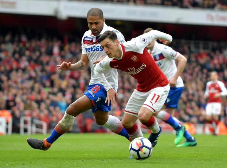 Mesut Ozil Haunt Stoke Police Officer With Cheeky Twitter Jibe 1