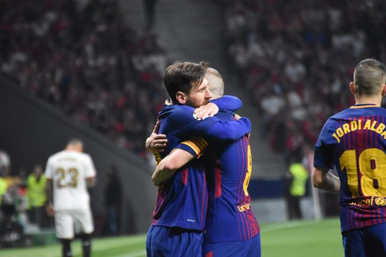 The Emotional Picture Of Two Friends : One Hug, 62 Trophies 7