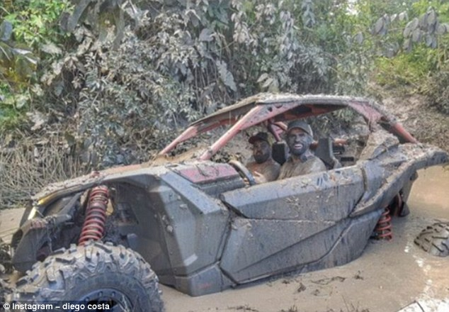 Summer Vacation : Costa Drives Through Dirty Mud, While Isco Feeds Swimming Pigs 7