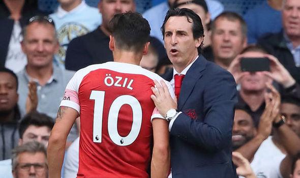 Unai Emery Refuse To Publicly Guarantee Mesut Ozil's Future At Arsenal 1