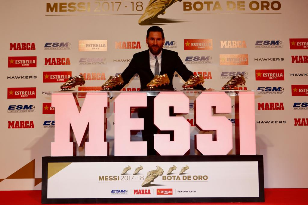Lionel Messi Receives Fifth Golden Shoe Award 1