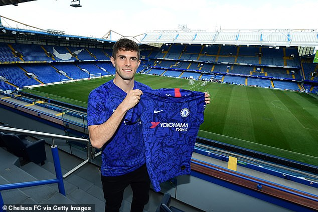 Christian Pulisic Poses In Chelsea Shirt After Completing £58m Move 3