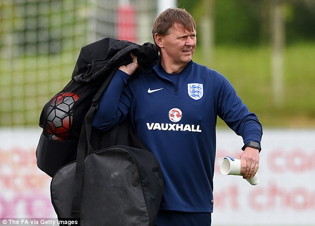 Gary Lewin: The Soccer Physio With The Magical Hands